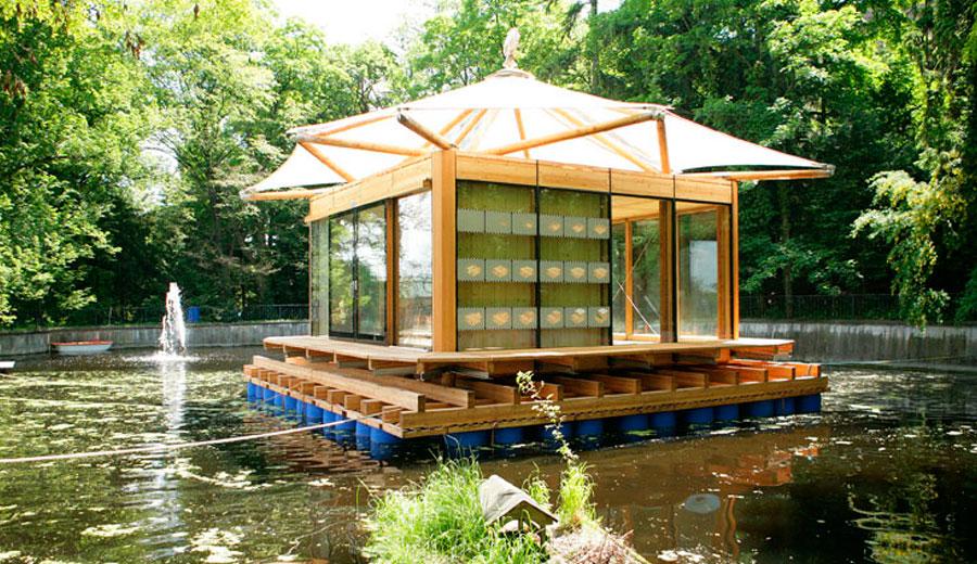 wie-alles-begann-pavillon-schwimmend